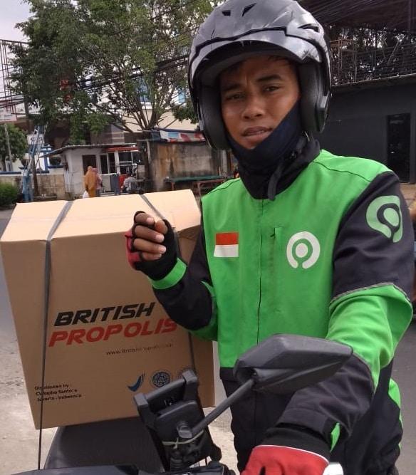 Ippho Santosa Berbagi British Propolis untuk Pejuang dan Relawan Kemanusiaan Lawan Covid-19